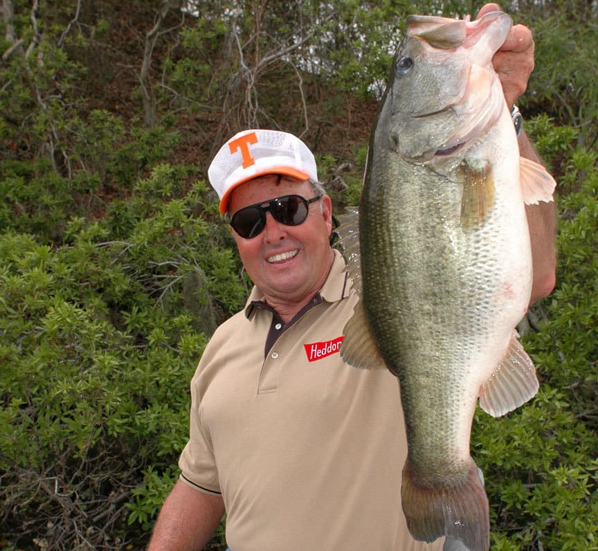 Bill dance shows you his favorite lures for the summer for Bill dance fishing